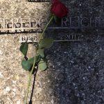 Questa mattina comincia con un fiore per il partigiano Alfredo Reichlin.